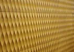 métal ondulé jaune