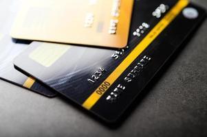 cartes de crédit empilées photo