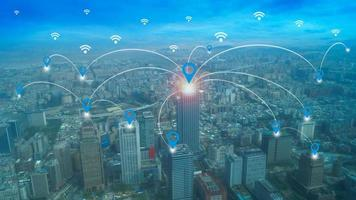 réseau de connexion autour de la ville photo