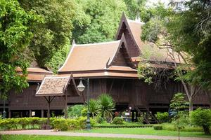 maison de style thaï en thaïlande photo