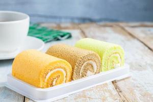 éponges à gâteau roulées photo