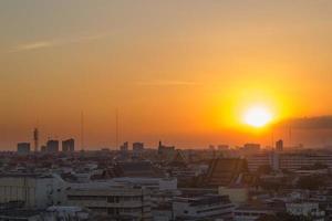 coucher de soleil sur bangkok photo