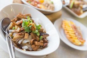 thai remuer la nourriture de soja photo