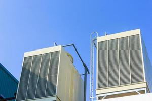 tours de refroidissement industrielles