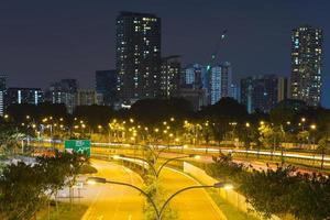 bâtiments de singapour la nuit