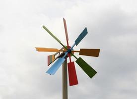 éolienne en bois photo