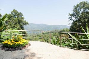 point de vue sur la montagne photo