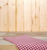 nappe avec fond en bois