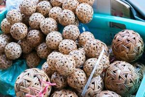 boules tissées artisanales photo
