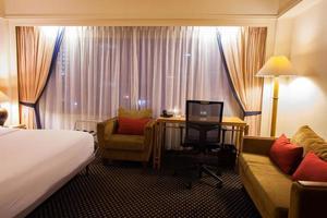intérieur d'une chambre d'hôtel photo