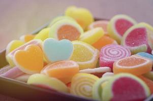 gelée de bonbons sucrés en forme de coeurs photo