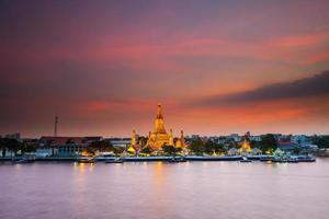 Bangkok, Thaïlande, 2020 - Wat Arun au coucher du soleil