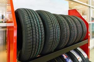 pneus neufs à vendre photo