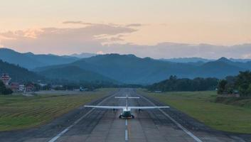 avion à l'aéroport