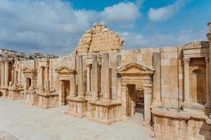 Théâtre du sud dans l'ancienne ville romaine de Gerasa, Jordanie