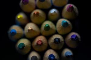fermer les crayons de couleur de la vue de dessus photo