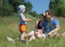 famille profitant d'un parc photo