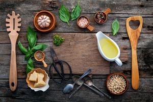 ingrédients pour la sauce pesto photo