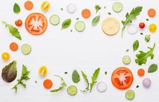 cadre d'ingrédients bruts photo