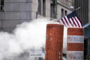 vapeur dans la rue à new york city photo