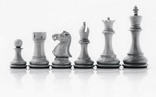 pièces d'échecs dans une rangée photo