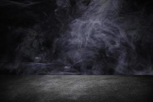 fond de toile de fond noir studio avec de la fumée