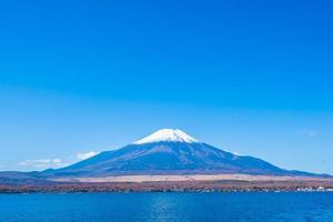 lac yamanakako au mt. fuji au japon photo