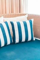 oreillers sur canapé