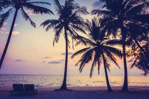belle plage tropicale en thaïlande photo
