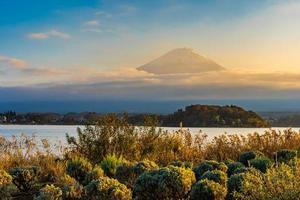 paysage au mt. Fuji au Japon en automne photo