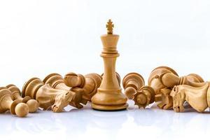 pièces d'échecs en bois photo