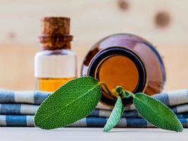huile essentielle de sauge