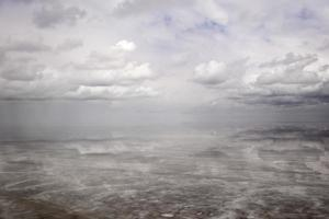 Salar de uyuni sel plat en bolivie photo