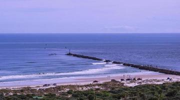 Paysage marin de personnes sur une plage à Ponce de Leon Inlet, Floride photo