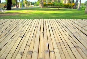 modèle de façade de planche de bois en bambou