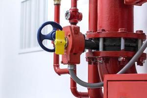 système de bouche d'incendie rouge photo