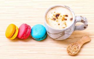 latte et macarons photo
