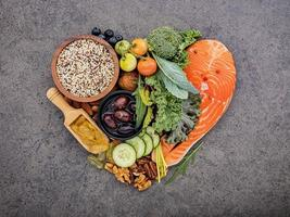 aliments cétogènes en forme de coeur photo
