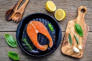 plat de saumon gastronomique photo