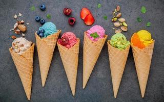 glace aux fruits colorés