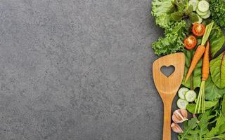 ustensiles et légumes avec espace copie