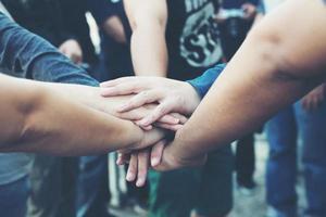 mains ensemble comme un concept de collaboration de travail d'équipe photo