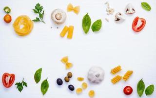 cadre de plats italiens frais photo