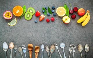 bordure de fruits et ustensiles photo