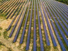 vue aérienne des panneaux solaires