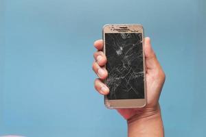 écran de téléphone fissuré