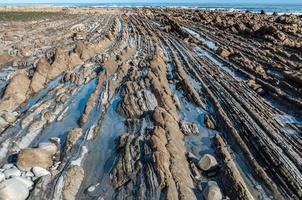 Formation rocheuse de flysch à Zumaia, Espagne photo