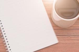lecture, écriture de livres et concept de mise en page de café photo