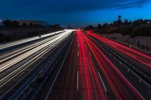 sentiers légers sur l'autoroute photo