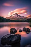 Mt Hood sur le lac Trillium au coucher du soleil
